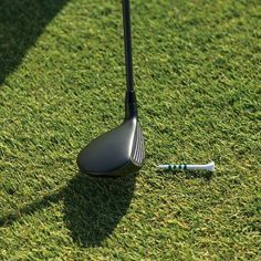 Golf Tips How to hit solid fairway woods in golf. - Of all the shots higher-handicap students try to hit, a fairway wood off the ground is among the ones they seem to struggle with the most. Golf Ball Crafts, Golf Holidays, Woods Golf, Golf Videos, Golf Instruction, Golf Exercises, Workouts, Golf Tips For Beginners, Golf Training