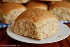 Wholemeal Flour Recipes, Yeast Bread Recipes, Baking Recipes, Easy Recipes, Vegan Recipes, Bread Bun, Bread Rolls, Zopf Recipe, Whole Wheat Rolls