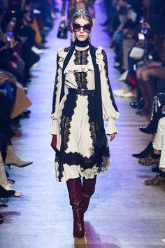 7e28b245d5b5 Défilé Elie Saab prêt-à-porter femme automne-hiver 2018-2019 Femme