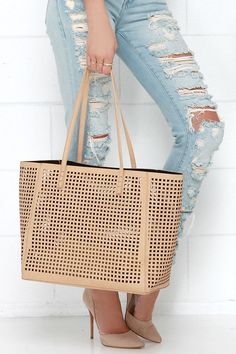 ef1a996d92 17 Best Beige Tote Bag Outfit images
