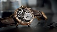 The speed of the strike is controlled by a completely silent magnetic regulator, a mechanical technology developed by Breguet