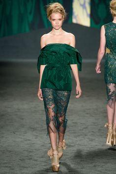 Vera Wang spring 2013,  specialty-seeking, wearable?