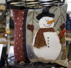 Snowman pillow, i love snowmen and make several snowman items every holiday season. This one will be on my list.
