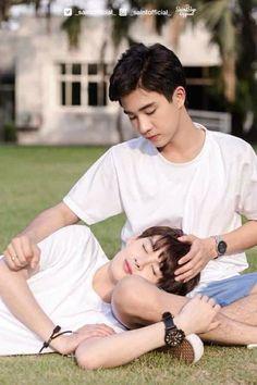Casal BL do Dorama cute: Love by chance Lgbt Couples, Cute Gay Couples, Perth, Tumblr Gay, Dear World, Korean Couple, Ulzzang Couple, Boyfriend Goals, Young Love