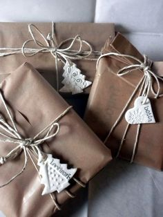 Christmas gift wrapping - 15 brilliant ideas for gift packaging – Christmas gift wrapping Wrapping Gift, Gift Wraping, Creative Gift Wrapping, Gift Wrapping Services, Christmas Gift Wrapping, Wrapping Ideas, Creative Gifts, Noel Christmas, Best Christmas Gifts