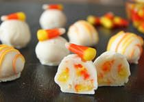 Candy Corn Truffles Recipe - Halloween Candy Recipes Candy Corn Truffles combine the great taste of candy corn with classic white chocolate truffles. You'll love this fun and elegant Halloween candy! Candy Recipes, Fall Recipes, Holiday Recipes, Dessert Recipes, Corn Recipes, Holiday Foods, Dessert Ideas, Halloween Desserts, Halloween Candy