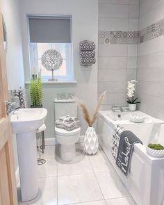 Bathroom Design Layout, Bathroom Design Luxury, Home Interior Catalog, Home Interior Design, Modern Small House Design, Home Ceiling, Home Decor Bedroom, Bathroom Inspiration, Small Bathroom