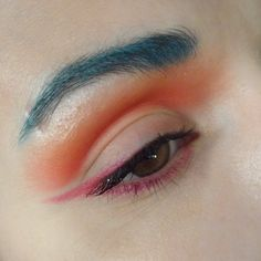 colored eyebrows yasss   http://makeupnextdoor.weebly.com