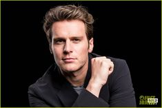 Jonathan Groff Reveals He First Met with David Fincher for Justin Timberlake's 'Social Network' Role | jonathan groff reveals he first met with david fincher for social network role 03 - Photo