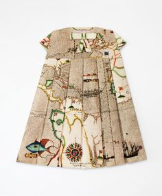 Map Dress: 'Les Robes Geographiques' is a fashion project by the artist Elisabeth Lecourt,