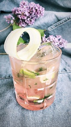 Summer Snacks, Summer Drinks, Summer Recipes, Dessert Drinks, Fun Desserts, Drinks Alcohol Recipes, Alcoholic Drinks, Mojito, Magazine Cosmopolitan