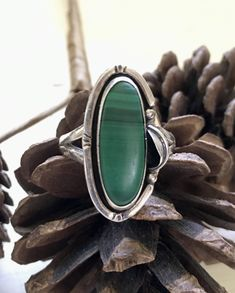 Sterling Silver Feather Ring, Malachite Gemstone, Boho Southewestern Jewelry, SZ 9.5 Signed Mexican Silver, Gemstone Vintage Rings, Vintage Silver, Vintage Jewelry, Vintage Bohemian, Boho, Feather Ring, Southwest Jewelry, Feather Design, Cream And Gold