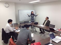 晴山先生、松本先生、小熊先生、山田先生、早川先生、有子山先生、関先生、そして私(関口)のメンバーで、新しいことはじめます!