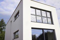 Les fenêtres sont l'outil par excellence pour créer plus d'ouverture dans une habitation : une belle vue de l'extérieur vers l'intérieur et vice versa. Aussi les fabricants proposent-ils plusieurs solutions à Batibouw pour agrandir encore les vitrages.