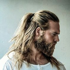 Want a new look for long hair? Check out these pictures of the half ponytail for men. It's the new man bun and cool look that works for any hair type. Man Ponytail, Ponytail Hairstyles, Cool Hairstyles, Viking Hairstyles, Hairstyles 2018, Blonde Hairstyles, Ponytail Styles, Hairstyle Ideas, Long Hairstyles For Men