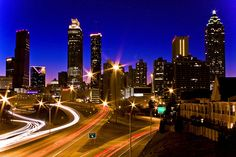 Another beautiful shot by the same photographer of the downtown skyline