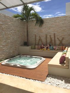 Spa whirlpool: 12 ideas to integrate it into your garden - Buried Jacuzzi - . Inground Hot Tub, Spa Jacuzzi, Jacuzzi Outdoor, Pools Inground, Jacuzzi Room, Hot Tub Backyard, Small Backyard Pools, Backyard Privacy, Future House