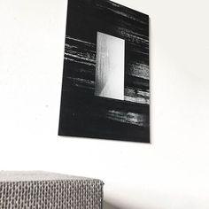 Merci à Natacha pour la photo de son nouveau tableau Gris et Blanc🔆 . Tableau réalisée par l'artiste @l.e.e.m.o🎨- à retrouver dans la collection Moderne sur labellegalerie.co - lien dans la bio💭 . #black #deco #cadre