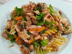 Deliciosa paparoca: Salada de frango, fusilis e cogumelos