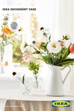 Planning to give mom a beautiful bouquet of flowers for Mother's Day? Pair them with the IKEA SOCKERÄRT vase for a unique, farmhouse feel. Later on, the vase can be used as a pitcher!