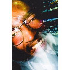Sempre discordei das pessoas que anseiam morrer dormindo. Se for pra morrer tem que ser louco! Louco  suficiente para pegar o impulso necessário e chegar no além em grande estilo: Dando voadora na porta  do Inferno . ᴛʜᴇ ᴇɴᴅ