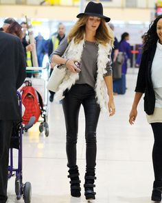 caggie and millie Chelsea Girls, Knee Boots, Shoes, Fashion, Moda, Zapatos, Shoes Outlet, Fashion Styles, Knee Boot