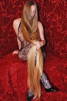 best hairstyles for long hair 2020 Long Blond, Long Red Hair, Very Long Hair, Long Hair Cuts, Long Hair Styles, Down Hairstyles, Pretty Hairstyles, Girl Hairstyles, Beautiful Long Hair