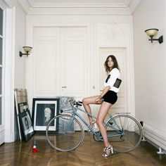 75 Parisiennesby French photographer Baudoin