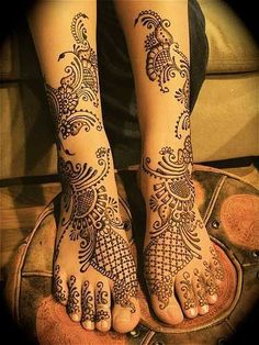 ヘナでペイントするMehndi♡インドの花嫁さんへの特別なおまじないが煌びやかで素敵♡にて紹介している画像