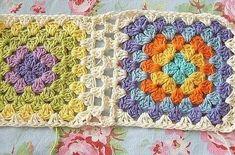 Соединяем вязанные квадраты в единое полотно