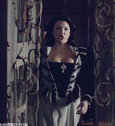 anne boleyn the tudors natalie dormer gifs - Bing images Natalie Dormer Anne Boleyn, Best Period Dramas, Anne Boleyn Tudors, The Other Boleyn Girl, Margaery Tyrell, 18th Century Fashion, Queen Of England, Period Costumes, Sexy Cartoons