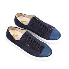 Axel Arigato Best Sneakers, Sneakers Fashion, Comfortable Shoes, Men's Shoes, Footwear, Mens Fashion, Axel Arigato, Leather, Design