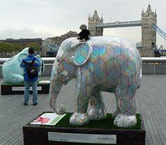 Mooch monkey at the London Elephant Parade - 055 Cubelephant.