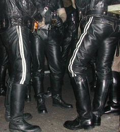 Recon is an online community of Gay Men interested in fetish and kink. Leather Men, Leather Boots, Black Leather, Leather Jacket, Men Boots, Leather Motorcycle Pants, Motorcycle Boots, Black Men, Guys