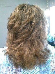 Long Shag Haircut, Haircuts For Medium Hair, Short Shag Hairstyles, Feathered Hairstyles, Pretty Hairstyles, Medium Layered Hair, Medium Hair Cuts, Short Hair Cuts, Medium Hair Styles