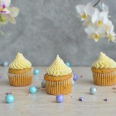 Tort Deliciu cu zmeura - Mihaela Toader Mini Cupcakes, Unt, Desserts, Food, Design, Tailgate Desserts, Deserts, Essen, Postres