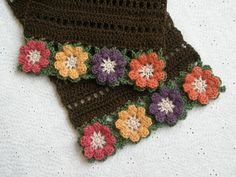 Love this edging - I have to try and figure this out ...there is no pattern and it's so beautiful!!