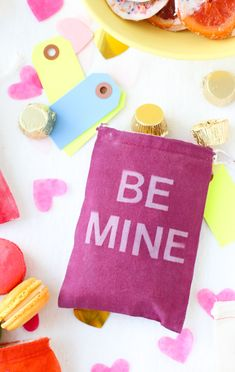 Typographic V-Day Favor Bags