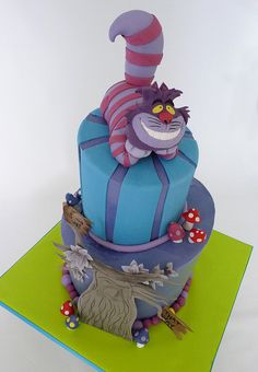 Alice in Wonderland cake. @Chris Cote Wuensche - I repin in this with absolutely no intention of trying to recreate it.  I just think it's amazing.