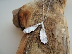 Samara de plata collar  Arce semilla plata hecha por FemmeMecanique, $88.00