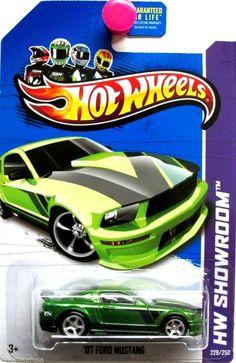 2007 Ford Mustang Super Treasure Hunt Hot Wheels Showroom #229/250