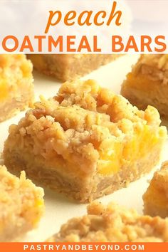 Summer Dessert Recipes, Easy Desserts, Delicious Desserts, Easy Sweets, Finger Desserts, Peach Crumble Bars, Crumble Topping, Baking Recipes, Cookie Recipes
