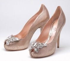 7 Pairs of Crazy Over-the-Top Fantasy Wedding Shoes! Which Would You Wear? : Save the Date