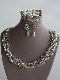 Bridal Pearl Necklace, Swarovski, Wedding Jewelry, Ivory Pearls, Crystal Necklace (Sophia)