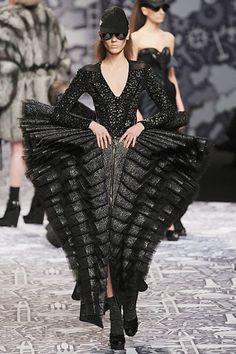 Billedresultat for voluminous dress