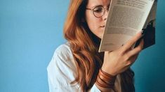 A recent study found a weird connection between introversion and grammar — and why introverts might be the ultimate grammar sticklers. Ways To Earn Money, Make Money Blogging, How To Make Money, How To Become, Earning Money, Instagram Storie, Georg Christoph Lichtenberg, Ideas Principales, New Actors