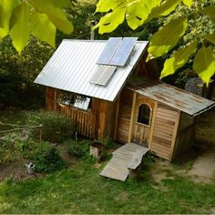 Man Who Built His Own Off-Grid Tiny Home When He Was a Teen (And Is Still Living In It)!