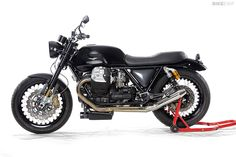 A Griso engine, a Tonti frame and V7 bodywork. The Moto Guzzi 'V12' from Germany's Radical Guzzi workshop is the bike the Mandello Del Lario factory should build.