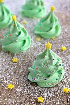 Christmas Tree Meringue Cookies | 27 Holiday Cookies That Are Almost Too Cute To Eat