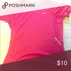 Nike top Nike work out top in great condition! Nike Tops Tees - Short Sleeve